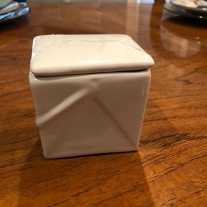 White porcelain take out box canister.